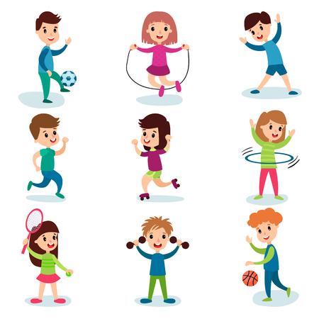 Uśmiechnięci małe dziecko postacie robi różnym sportom i bawić się sportowe gry, dzieciak aktywności fizycznej kreskówki wektoru ilustracje