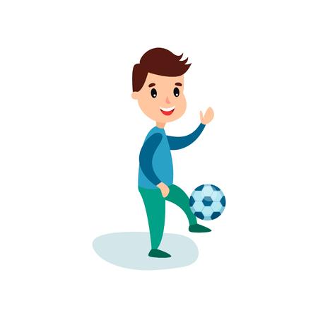 Carattere sorridente del ragazzino che dà dei calci al pallone da calcio, illustrazione di vettore del fumetto di attività fisica dei bambini Vettoriali