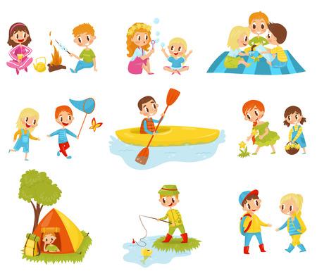 Ensemble de petits enfants faisant des activités différentes. Pêche, cuisson de la guimauve sur le feu, cueillette de fleurs, kayak, capture de papillons. Personnages de dessins animés de garçons et de filles mignons. Illustrations vectorielles plat Banque d'images - 100478415