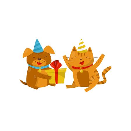 Divertido perro y gato con sombreros de fiesta sentados en el suelo, perro con caja de regalo, personajes de dibujos animados de animales domésticos lindos, mejores amigos vector ilustración sobre un fondo blanco