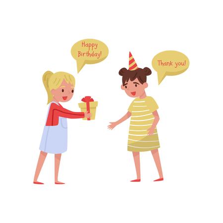 Aufgeregtes kleines Mädchen, das ihrem Freund für das Geburtstagsgeschenk dankt. Kinder mit guten Manieren. Zeichentrickfiguren von zwei süßen Kindern. Bunte Vektorillustration im flachen Stil lokalisiert auf weißem Hintergrund.