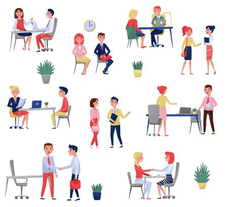 Nuovi candidati dipendenti che hanno colloquio di lavoro con specialisti delle risorse umane impostati, illustrazioni di vettore di concetto di reclutamento isolate su sfondo bianco.