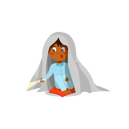 Niño asustado sentado en la cama con linterna y escondido debajo de la manta vector ilustración aislada sobre fondo blanco.