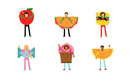 People In Giant Costumes Of Different Kinds Of Fastfood Set Of Vector Illustrations Banco de Imagens - 131735480