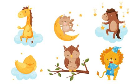 Cute Little Animals Sleeping Under Starry Sky Resting on Clouds Vector Set. Sweet Night Dreams Concept 일러스트