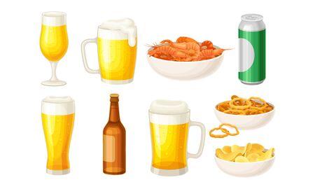 Bière versée dans une bouteille et des tasses avec des bols de crevettes et de chips de pommes de terre Vector Set Vecteurs