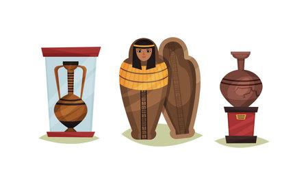 Museum Exhibit with Mummy Case and Vase Vector Set Vecteurs