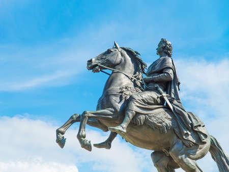 uomo a cavallo: Monumento di imperatore russo Pietro il Grande, conosciuto come Il cavaliere di bronzo, San Pietroburgo, Russia