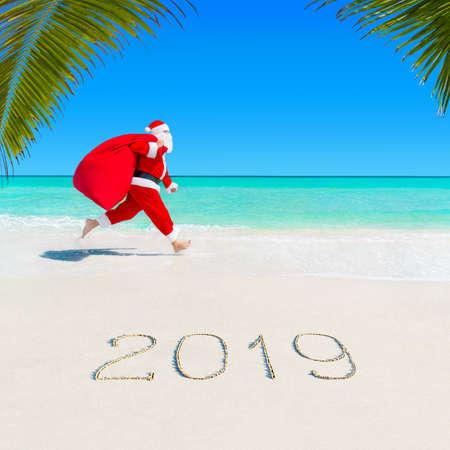 Season 2019 christmas santa claus run at sea