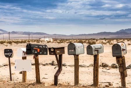 Vecchie cassette postali degli Stati Uniti lungo la Route 66 - Immagine realizzata durante un viaggio in moto