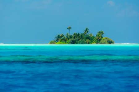 A small island somewhere in the Maldives. Banco de Imagens