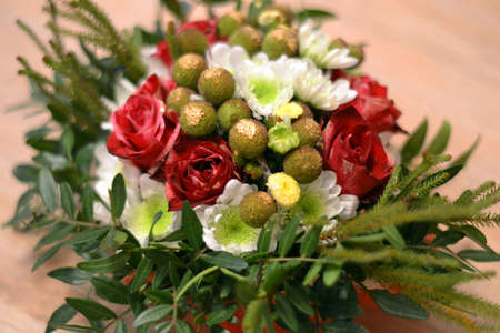 flower arrangement with roses Imagens