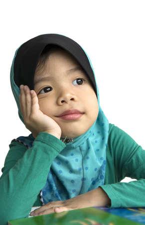 jardin de infantes: Ni�os musulmanes so�aba tras estudio