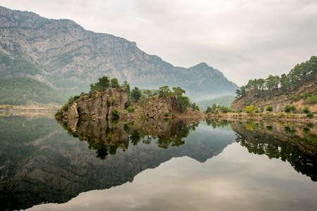 Karaca ren Dam (Barrage) Lake is located in Aksu Creek. Karaca ren Dam Lake covers Isparta-Burdur borders. There are Trout farms on the dam.