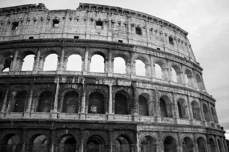Rome, Italy - 3 January 2008: View of antique Rome, Coliseum 新聞圖片