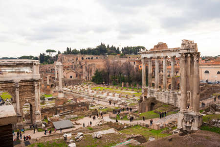 Rome, Italy - 3 January 2008:Panorama on the ruins of Rome 新聞圖片