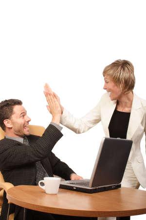 euforia: Grito de negocio exitoso equipo de hombre-mujer - palmas en las manos
