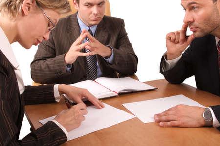 comité d entreprise: Réunion d'affaires de 3 personnes au bureau  Banque d'images