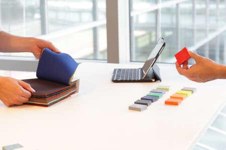 flicking: interior design situation - teamwork in creative process
