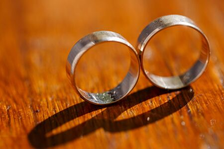registro: Hermosos anillos de oro para novias