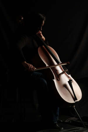 concerto: A cello player