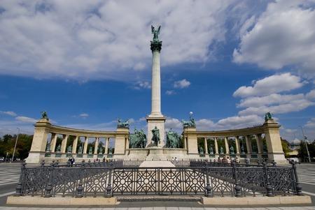 heros: heros square in budapest
