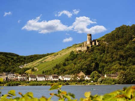 castillo medieval: Ruina Fandamp, uuml, rstenberg, Rheindiebach, Alemania  Foto de archivo