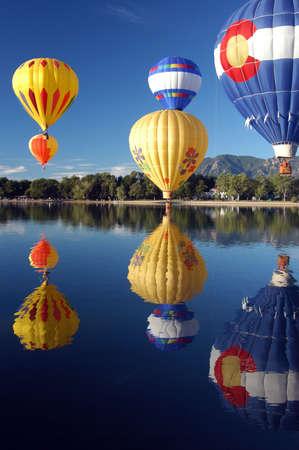 air:      hot air balloon race