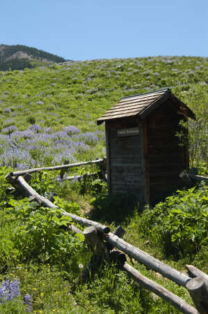 outhouse: country outhouse