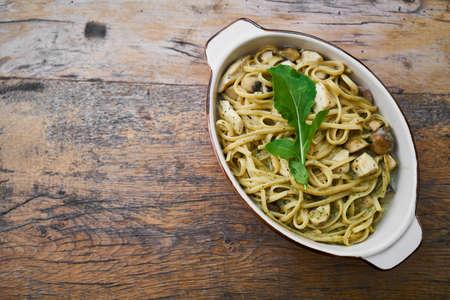 Délicieuses pâtes italiennes sur la table Banque d'images