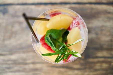cold cocktail made from fresh fruit Zdjęcie Seryjne - 131735894
