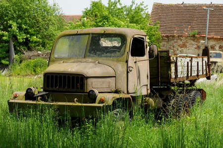rusty car: Truck rusting