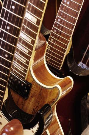 frets: electric guitar