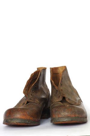 vestidos antiguos: zapatos de cuero viejo