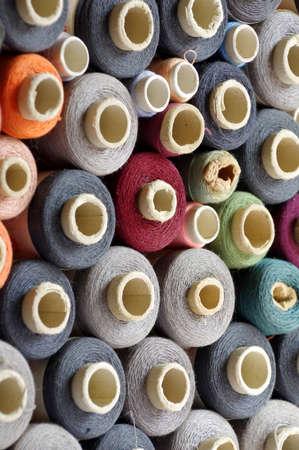 coser: carretes de hilo