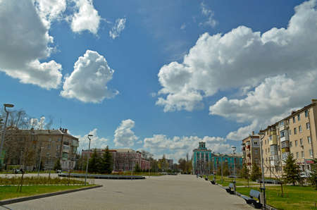 Spring city landscapes, the city of Novomoskovsk Ukraine. Imagens
