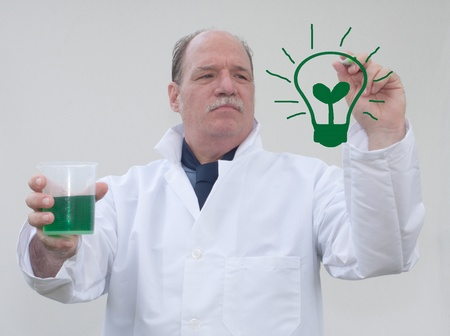Green Lightbulb Stock Photo - 13905537