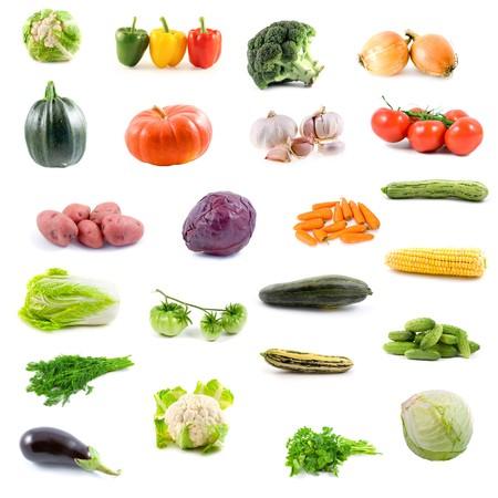 onion isolated: Gran colecci�n de verduras sobre un fondo blanco  Foto de archivo