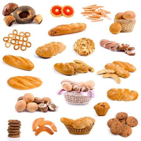 canasta de panes: Gran colecci�n de pan aislado sobre fondo blanco