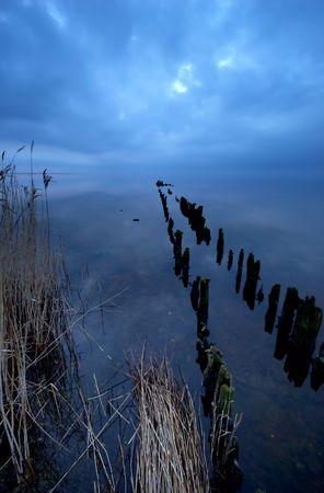夜の湖、ほぼきた時真っ暗だったこの写真を撮った