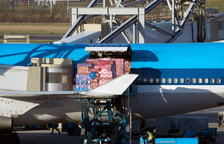 cargo transport: aircraft unloading cargo