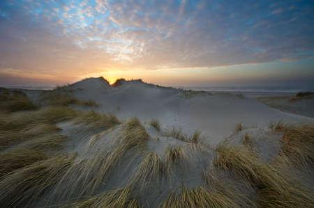 Die schönsten Sonnenuntergang, Sand-Dünen und Meer