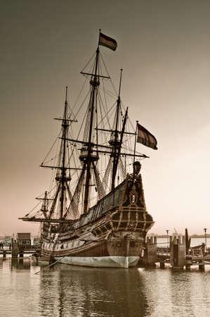 altes Schiff in den Hafen