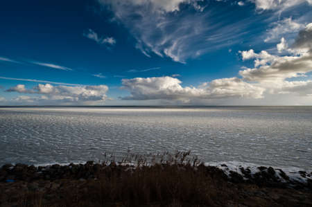 Frozen winter landscape in the netherlands Stock Photo - 4379263