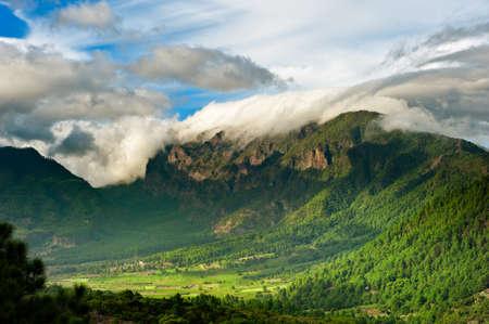 Hermoso paisaje de las montañas en La Palma, Islas Canarias, España