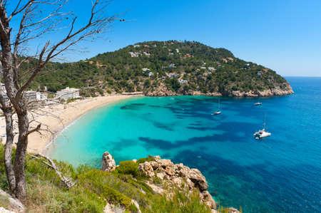 Cala de Sant Vicent en el norte de Ibiza, España