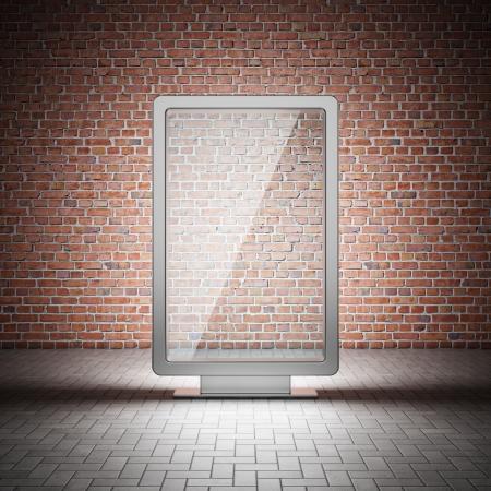 affichage publicitaire: Blank rue panneau publicitaire et le mur de briques dans la nuit