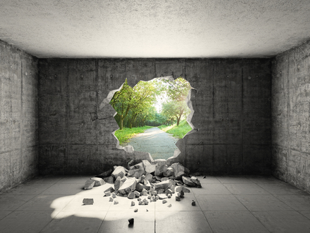 hormigon: sala de hormigón con agujero en la pared y salida a la libertad