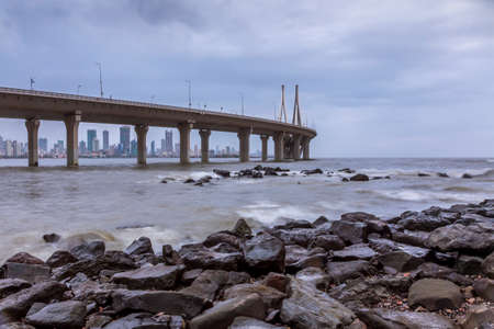 Bandra worli sea link from Bandstand Stock Photo - 91744600