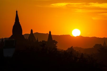 Myanmar: Myanmar, Bagan au coucher du soleil Banque d'images